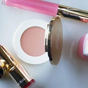 {HP} ISAAC MIZRAHI Make-up Bundle